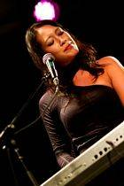 Melina Soochan - Nuits Acoustiques 7 (photo by Bruce Toombs)
